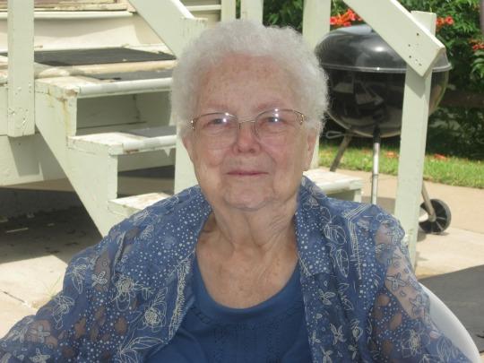 Mom 90-Crop