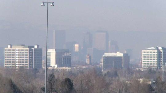 Denver air pollution spring 2014 [Photo source: FOX31 Denver]